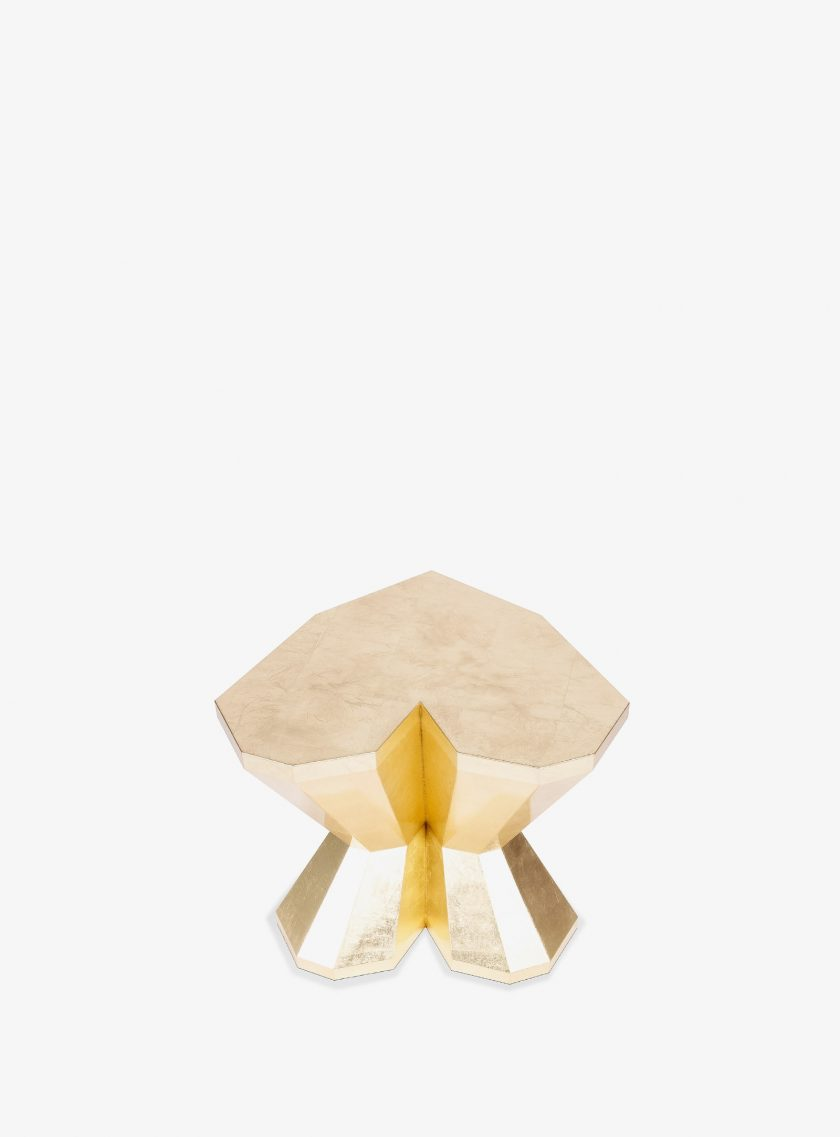 QUEEN-HEART-SHORT-SIDE-TABLE-2