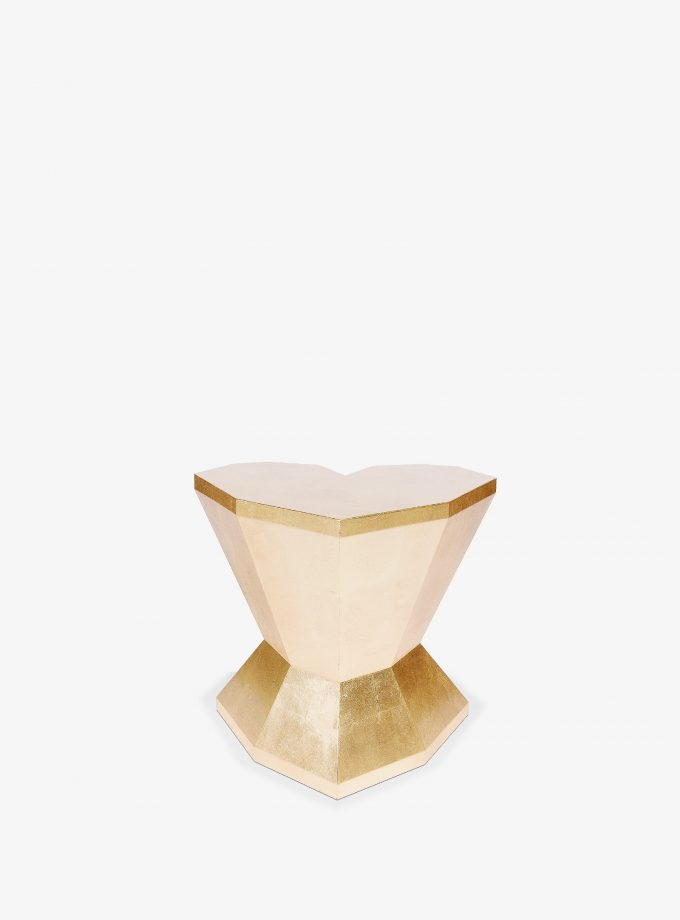 QUEEN-HEART-SHORT-SIDE-TABLE-3